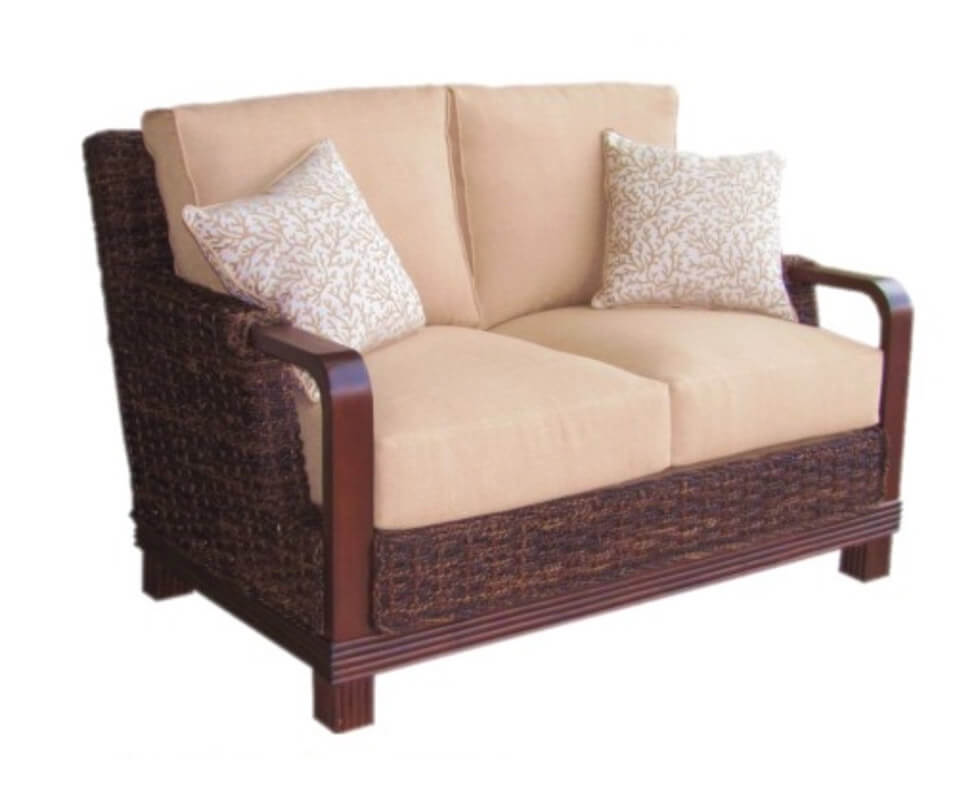 Roatan loveseat